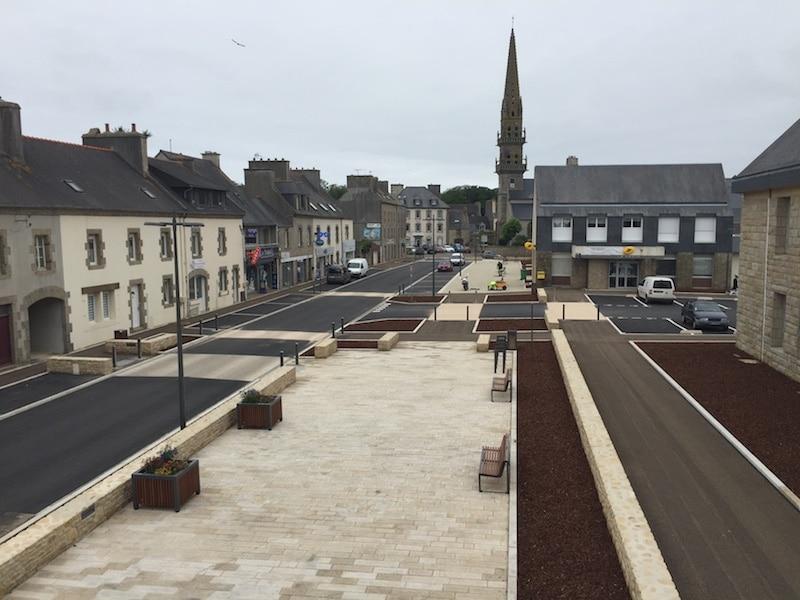 Aménagement de la place de la mairie et de la rue de Brest- travaux publics kerleroux